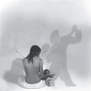 Resurgir entre las sombras